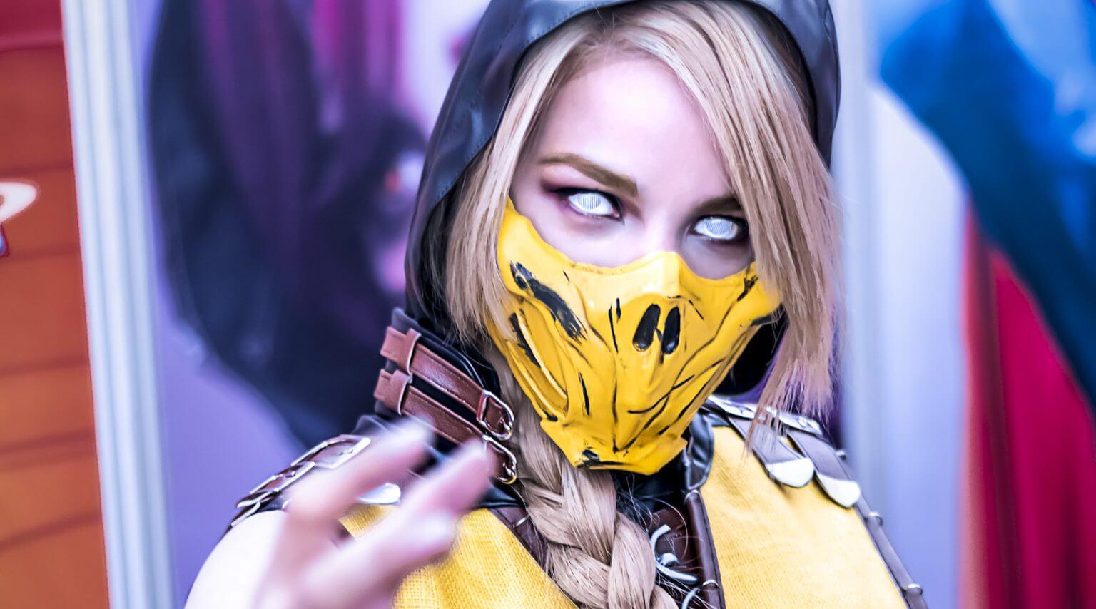 RocioCosplayer Mortal Kombat Scorpion Cosplay