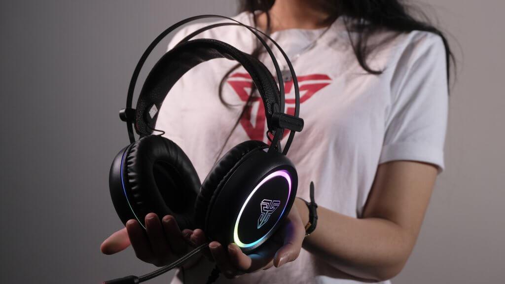 Audífonos Gamer de alta gama con RGB